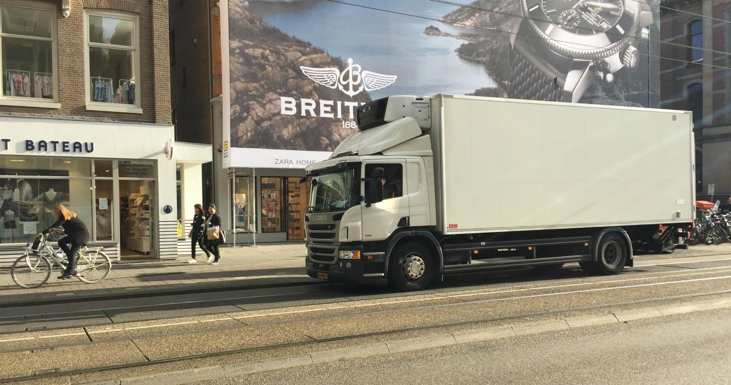 Холандия набира професионални шофьори на товарни автомобили
